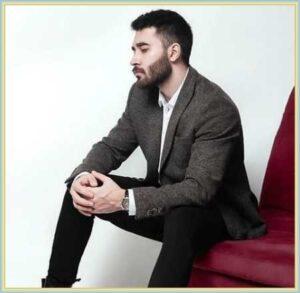 دانلود آهنگ دستاشو میگیری تو اوج آرامش از علی یاسینی